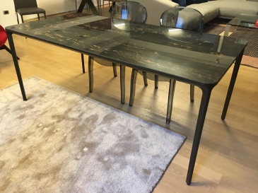 Tavoli Tables